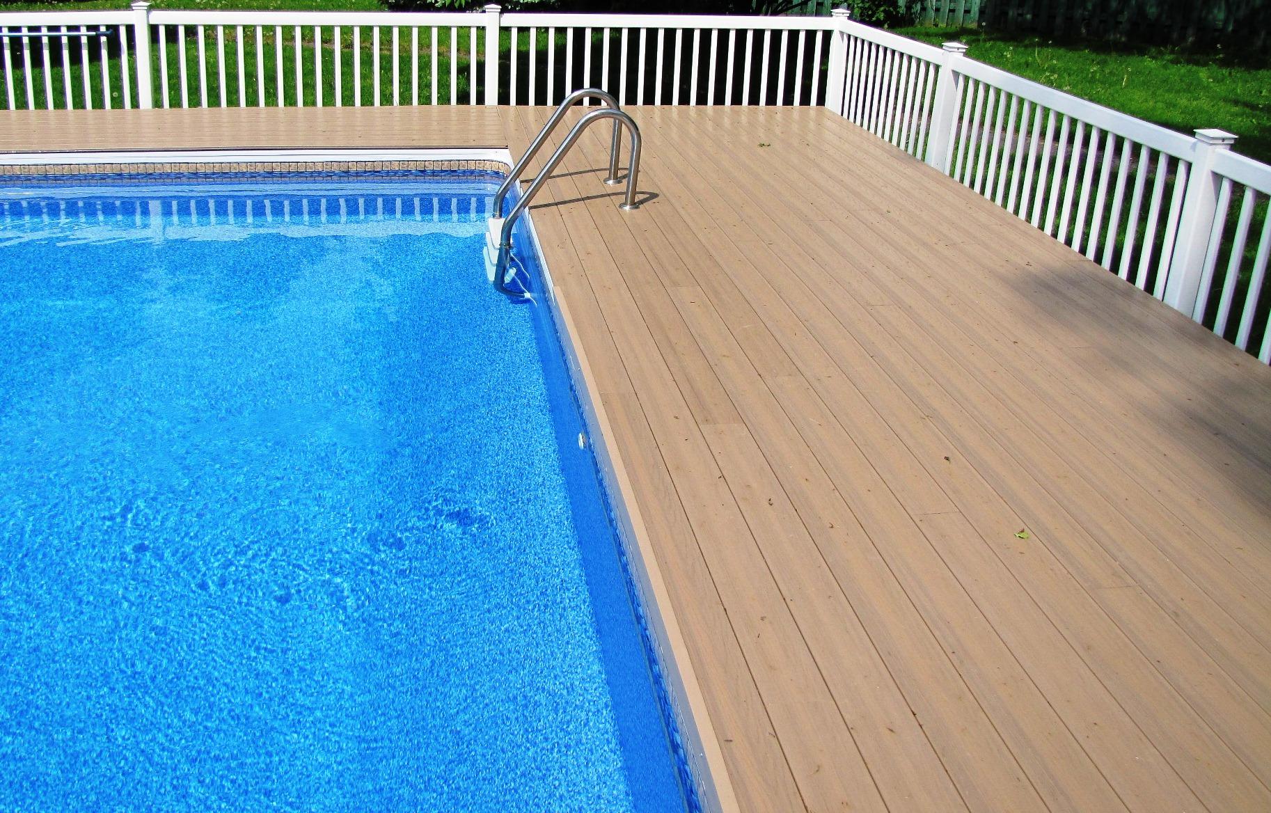Planches de balcon et accessoires en PVC couleur Sandstone