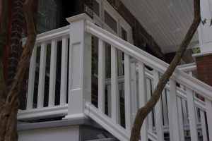 PVC railing 5000 series, Denver baluster, with recessed panel newel posts. Maintenance free. Lifetime warranty.